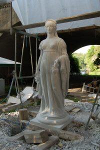 """Königin Luise"", Marmor, 2004, 500 cm x 100 cm<span class=""en""> | ""Queen Luise"", Marble, 2004, 500 cm x 100 cm</span>"