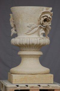 "Barockvase, Obeliskenportal, Sanssoucie, bildhauerische Rekonstruktion, 2019, 160 cm x 100 cm<span class=""en""> | baroque vase, obelisk portal, Sanssoucie, sculptural reconstruction, 2019, 160 cm x 100 cm</span>"